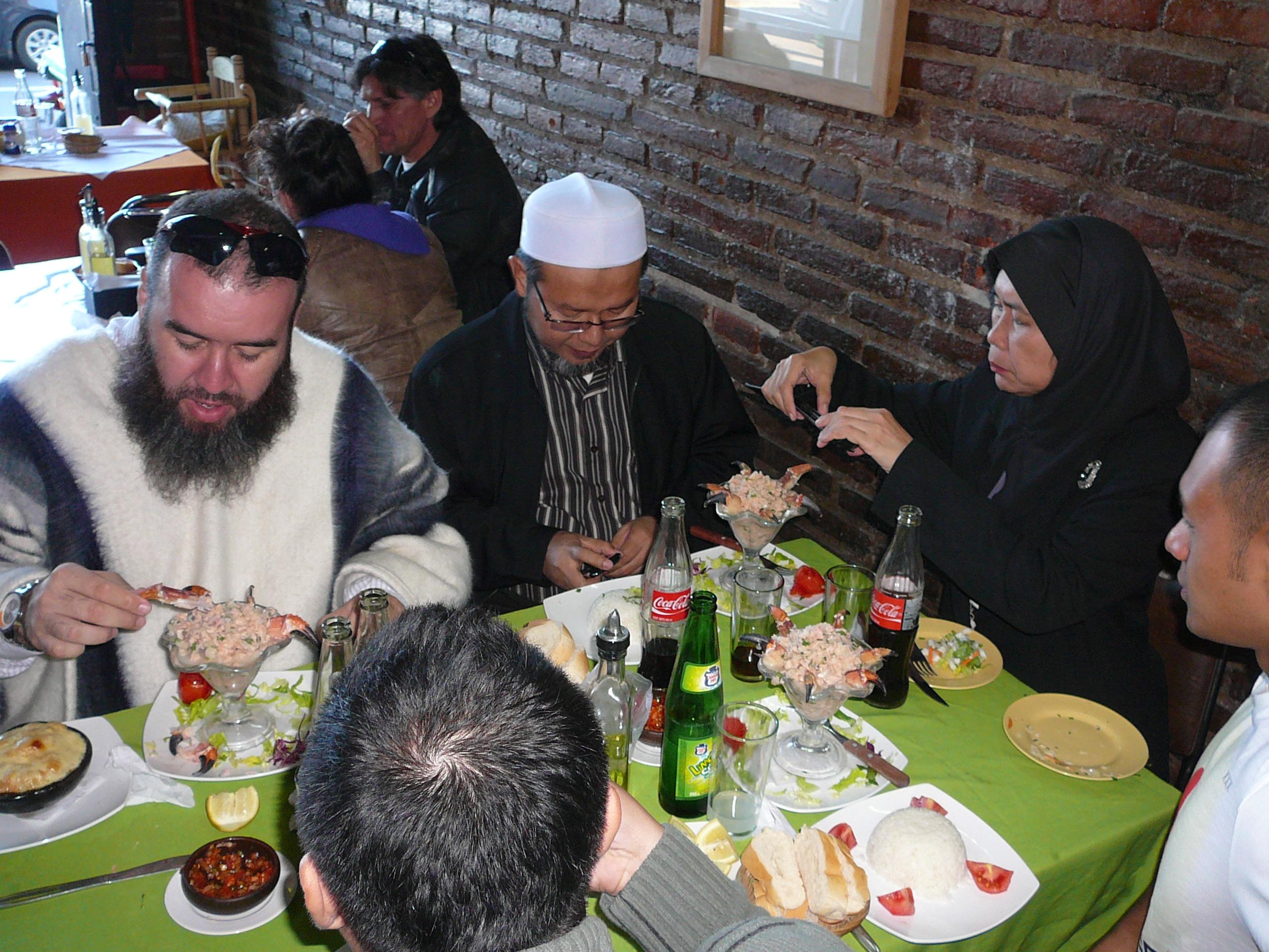 Chilehalal en el programa de la HalalExpoChile 2012 un momento para el turismo local.