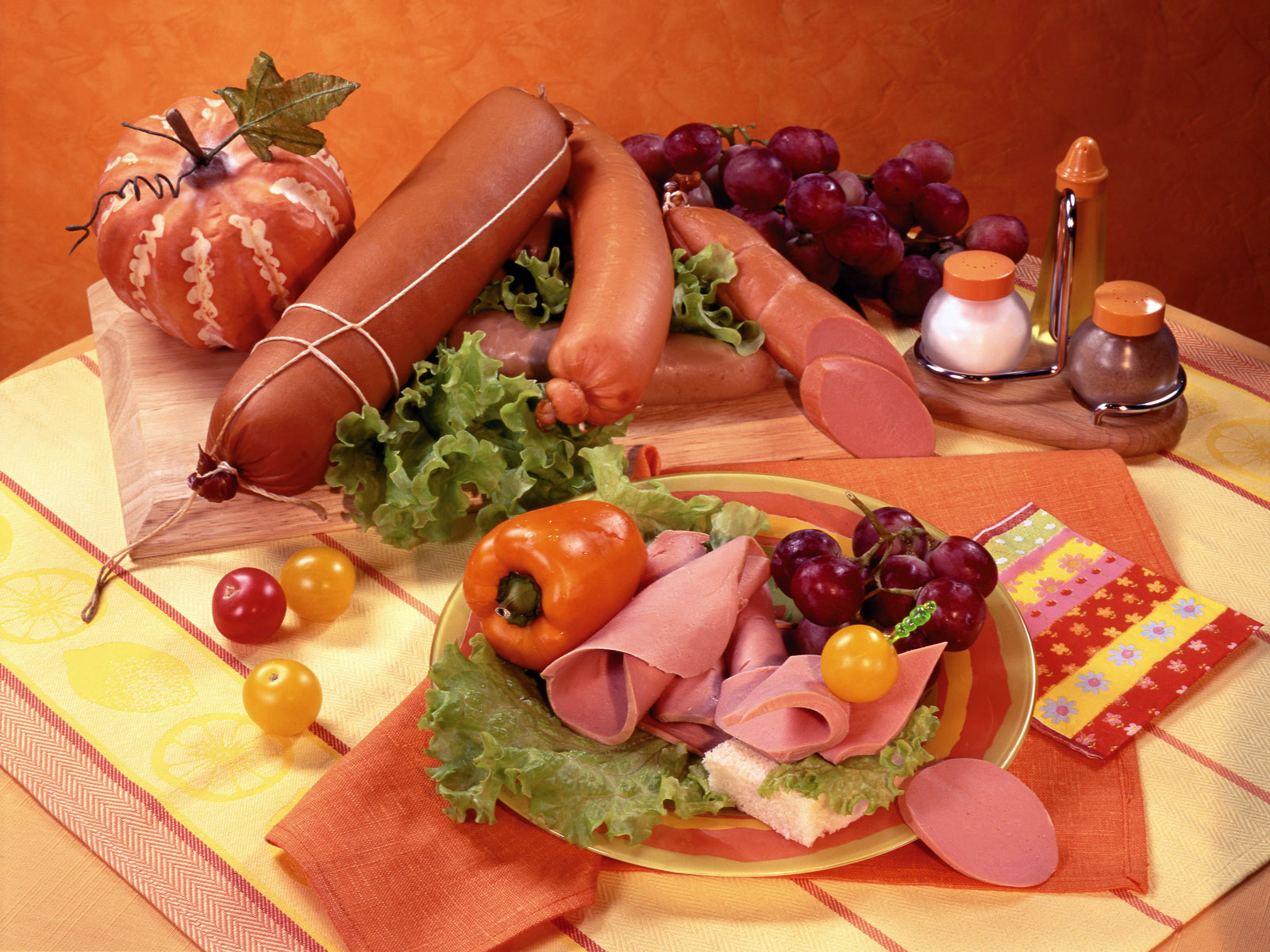 Encuentran cerdo en productos anunciados como halal en Noruega.